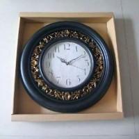 """Часы пластик """"КЛАССИКА"""" настенные, цвет черный,  D 52 см, D циферблата 26 см, стрелки за стеклом."""