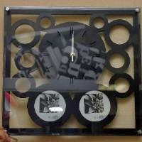 Часы  настенные 40*38см, 2 фото D-9cм, часы D 20 см. стрелки за стеклом.