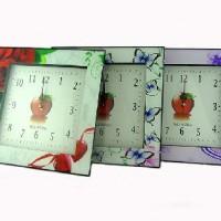 Часы  цветы,бабочки 30*30 см, размер циферблата 22*22 см стрелки за стеклом.